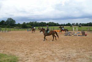 Cours d'équitation obstacles